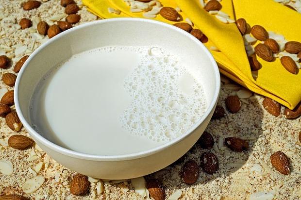 milk-2594538_640